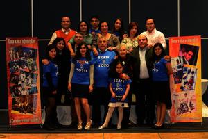 Con sus hijos y nietos