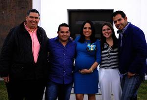 Acompañada de Javier, su esposo Ángel, Ane y José Alberto