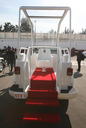 El Papa pidió que fueran vehículos sencillos.
