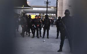 La situación quedó bajó control a la 1:30 horas ante la intervención de elementos de la Sedena, la Marina y la Policía Federal, quienes montaron un cerco de seguridad en el lugar, así como en otros penales del estado.