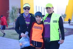 08022016 Nury, Fernanda y Laura.