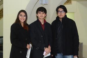 09022016 EN UN RECITAL.  Andrea, Pablo y Fernando.