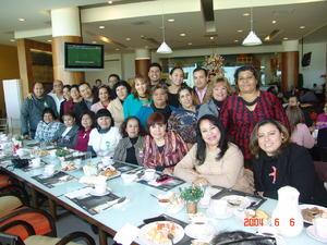 07022016 AMENO FESTEJO.  Personal y directivos de la Escuela 18 de Marzo B de Gómez Palacio, Durango.