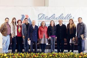 07022016 Panelistas del foro con el rector de la universidad.