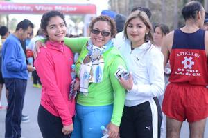 10022016 Julio, Sofía y Almendra.