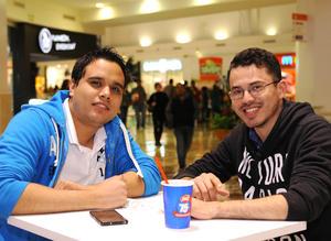 07022016 EN EL CINE.  Josué y Ricardo.