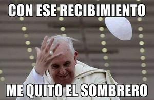 Una ola de burlas sobre la llegada del Papa se ha registrado en Internet.