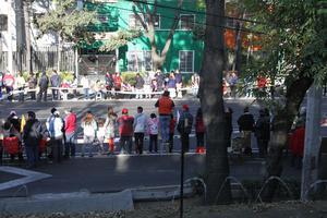 Familias enteras salieron a las calles.