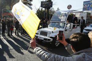 El Papa realizó su segundo recorrido por las calles de la ciudad.