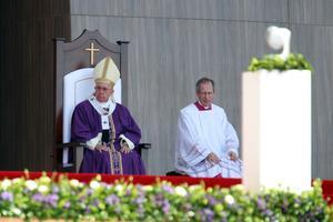 """El Papa instó a """"abrir los ojos frente a tantas injusticias que atentan directamente contra el sueño y proyecto de Dios""""."""