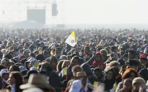 Aproximadamente 300 mil personas se reunieron en el área campestre del centro estudios de Ecatepec.