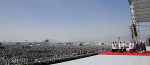 Francisco ofició la que se espera sea la misa más multitudinaria de su visita a México en la municipalidad de Ecatepec, la más poblada del país y que en los últimos años ha registrado un incremento de la violencia, en especial contra las mujeres.