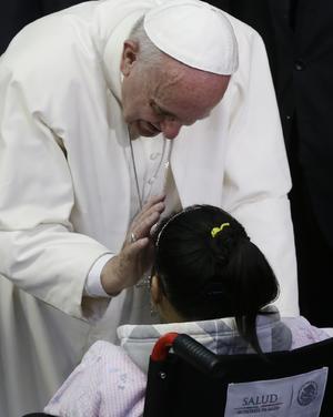 En el lugar, el Papa Francisco remarcó a los pequeños rezar por él, como lo ha ido haciendo en múltiples ocasiones durante su viaje.