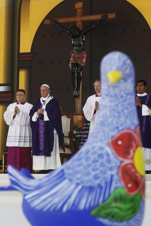 """El Papa condenó """"cómo de modo sistemático y estructural, sus pueblos han sido incomprendidos y excluidos de la sociedad""""."""