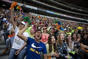 Miles de jóvenes se congregaron.