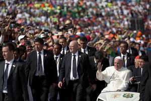 El Papa Francisco sostuvo un encuentro con jóvenes en Michoacán.
