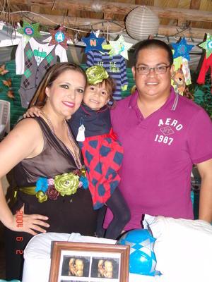 13022016 EN FAMILIA.  Elen, Ivanna e Iván Alvarado