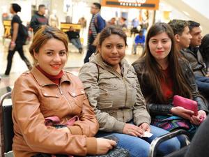 15022016 Kenia, Dulce y Daniela.