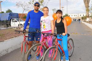 15022016 Roberto, Karina y Dayana.