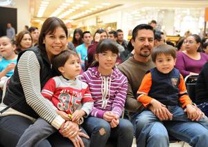 15022016 Sandra, Nicolás, Pamela, Santiago y Santi.