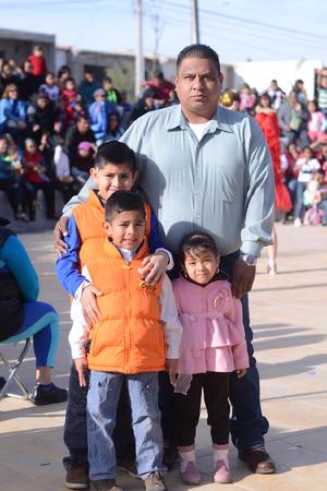 16022016 ALEGRE TARDE.  Gerado, Sebastián, Gerardo y Laura.