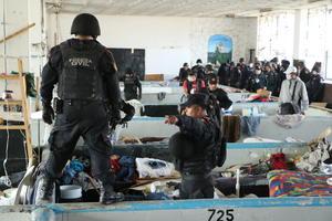En presencia de personal de la Comisión Estatal de Derechos Humanos (CEDH), 598 elementos de Fuerza Civil revisaron las instalaciones en busca de drogas, armas, dinero y objetos prohibidos.