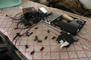 Encontraron diversos aparatos y juegos.