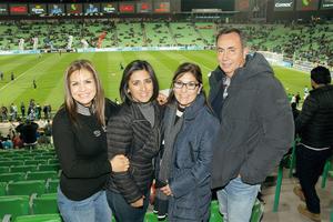 20022016 EN EL FUT.  Lidia, Erika, Lupita y Pepe.