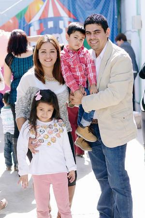 19022016 Jaime, Jaime, Jessica y Fernanda.