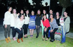 21022016 BABY SHOWER.  Ana Rosa de Rodríguez con sus amigas en la fiesta de canastilla que le organizaron Graciela Leal y Rocío de Rodríguez.