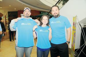 21022016 Darío Esparza, Lucy Johnson y Ernesto Madrid.