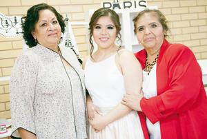21022016 DICE ADIóS A LA SOLTERíA.  Lesly Mesta Saucedo con Juana Emma Saucedo Grimaldo y Gloria Torres.