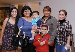 24022016 Diana, Lidia, Paty, Marcelo, Itan y Esmeralda.
