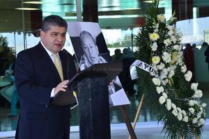 El alcalde Miguel Riquelme agradeció particularmente su amistad, y el apoyo recibido siempre del edil.