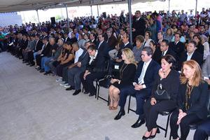 Asistieron familiares, amigos, regidores, diputados locales, directores generales y el alcalde Miguel Angel Riquelme Solís.
