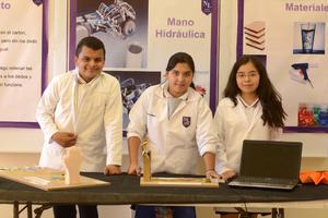 25022016 Carlos, Daniela y Celeste.