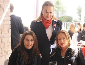 27022016 Lupita, María Guadalupe y Lorena.