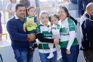 27022016 EN FAMILIA.  Octavio, Fabia, Karina, Mía y Fabiola.