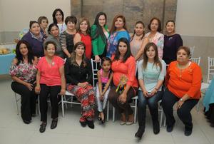 28022016 BABY SHOWER.  Cynthia Díaz Reza acompañada de sus invitadas a la fiesta de canastilla que le organizaron Wendy y Elizabeth Díaz y Socorro Reza.