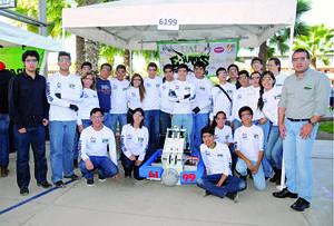 28022016 PARTICIPAN EN CASCARITA PEñOLES.  Equipo de robótica de la UAL.