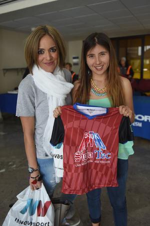 28022016 Hilda Gallegos y Fernanda Arguijo.