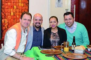 28022016 CONVENCIóN CIMACO.  Carlos, Raymundo, Ivette y Christian.