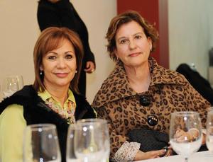 28022016 Belinda y Patricia.