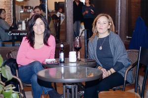 29022016 NOCHE DE AMIGAS.  Carmen e Iliana.