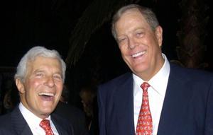 Los industriales conservadores, los hermanos David y Charles Koch.