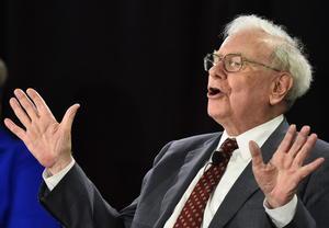 El tercer puesto fue para el inversionista Warren Buffett, de Berkshire Hathaway, con 60 mil 800 millones de dólares.