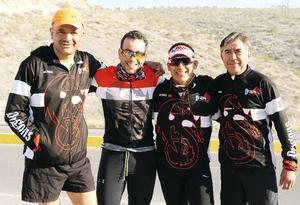 01032016 PARTICIPAN EN RODADA.  Raúl, Jaqueline, Arturo y Mateo.