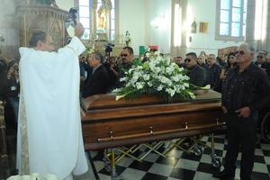 Julio Carrillo fue el sacerdote que ofició la misa.
