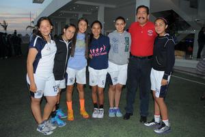 02032016 Equipo de basquetbol femenil juvenil A del Instituto Británico de Torreón.