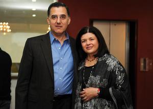 02032016 EN RECIENTE EVENTO.  Alejandro y Lourdes.